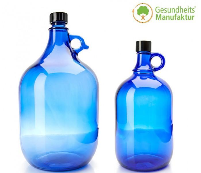 wasserflasche aus blauglas blauglasflaschen trinkflasche wasser gesundheitsmanufaktur. Black Bedroom Furniture Sets. Home Design Ideas